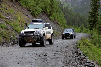 Ryan and another GX470 coming down Black Bear